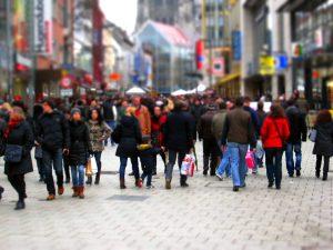 Volle Einkaufsstrassen